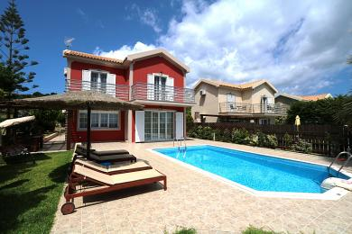 Stunning villa only 100 meters from Skala beach