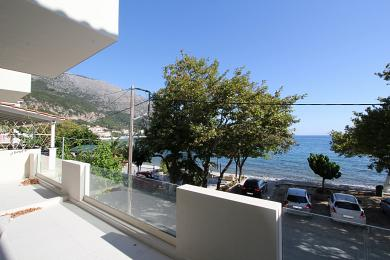 Newly built beachfront apartments in Poros