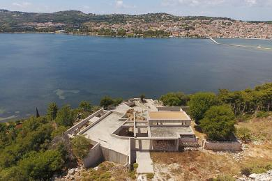 Unique incomplete luxury estate on the outskirt of Argostoli