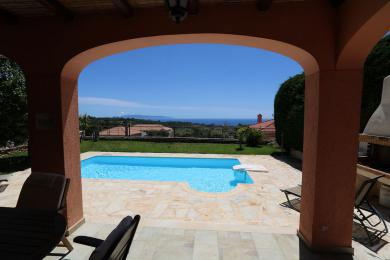 Unique villa with lovely sea views in Metaxata village