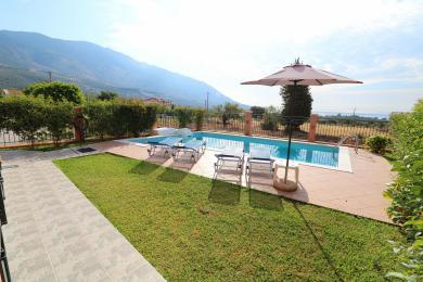 6 Bedroom, semi-detached luxury villa, in Karavados
