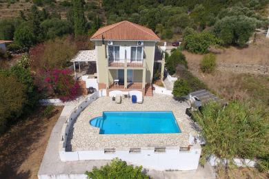 Beautiful villa with swimming pool in Ratzakli