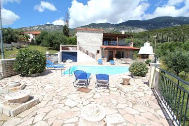 Villa with stunning sea views above Lourdas beach