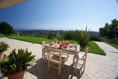 Villa with wonderful sea views in Hionata