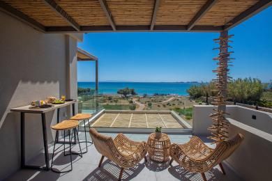 Grand Blue Beach Residences: Kyma